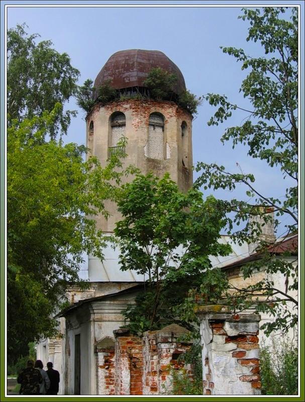 Колокольня церкви Климента Римского и Петра Александрийского, Новая Ладога