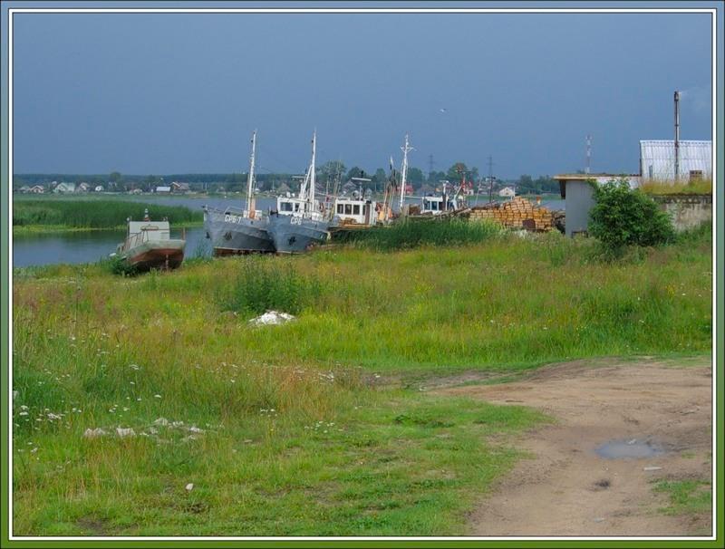 Корабли в Новой Ладоге, южный берег Ладожского озера