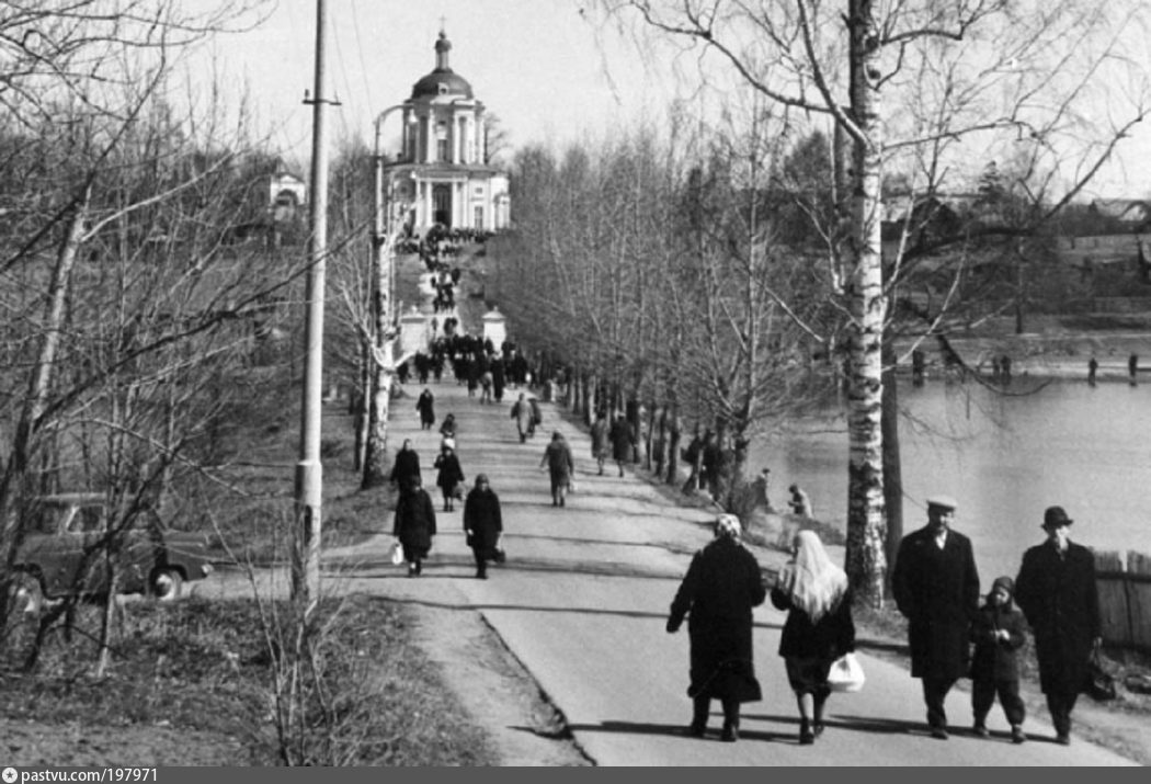 Владимирская церковь в усадьбе Виноградово