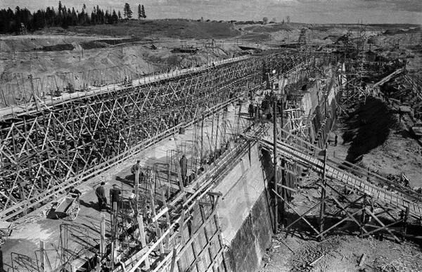 Строительство канала им.Москвы