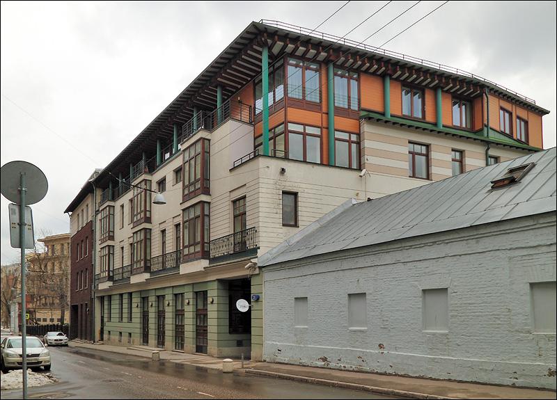 Дом 2008 года по 1-му Зачатьевскому пер.