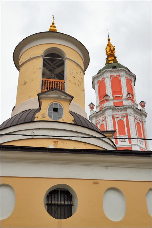 Церковь Федора Стратилата и храм Архангела Гавриила (Меншикова башня)