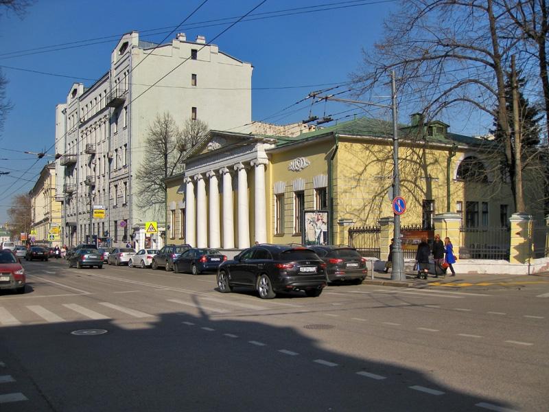 Дом Лопухиных-Станицких и здание Центральной энергетической таможни ФТС России