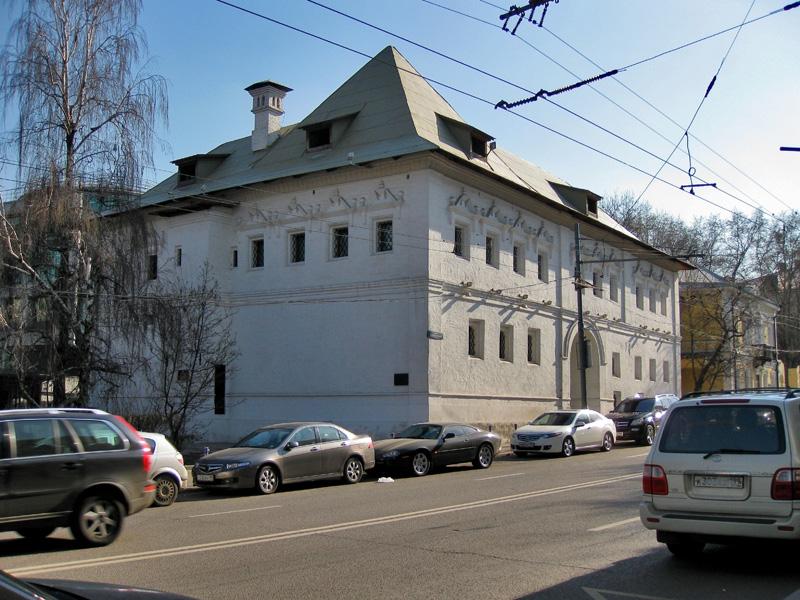 Белые палаты XVII века на Пречистенке