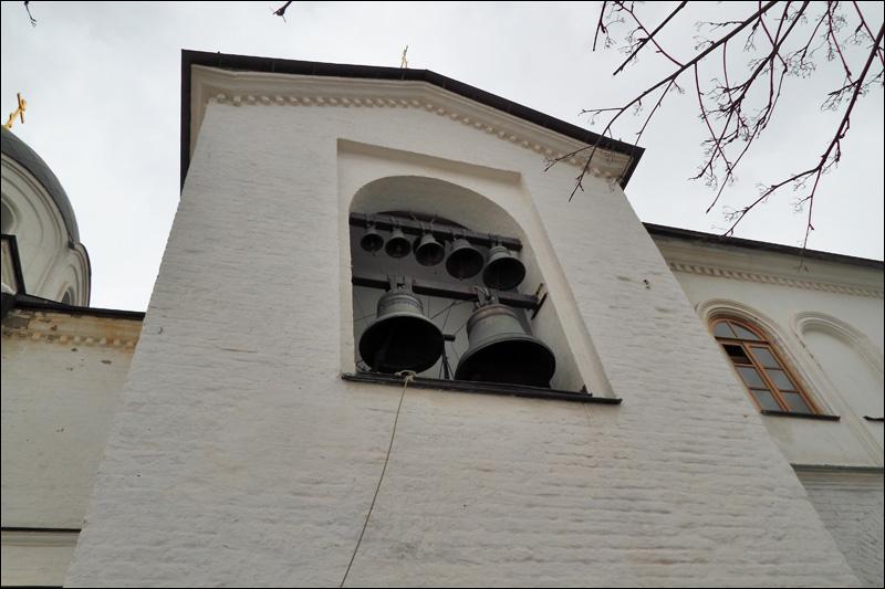 Зачатьевский монастырь, звонница церкви Сошествия Святого Духа