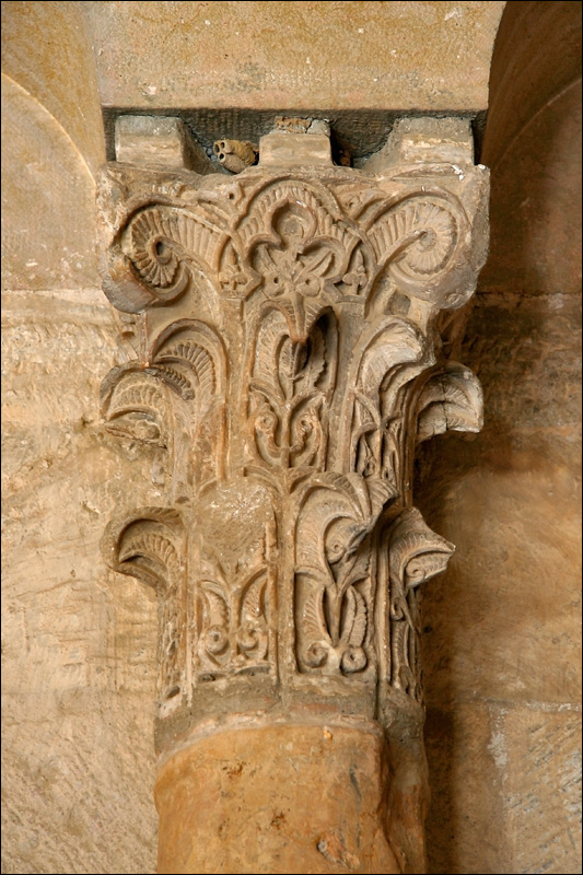 Дворец Альхаферия, колонна, Сарагоса