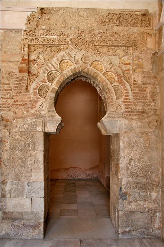 Дворец Альхаферия, дверной проем, Сарагоса