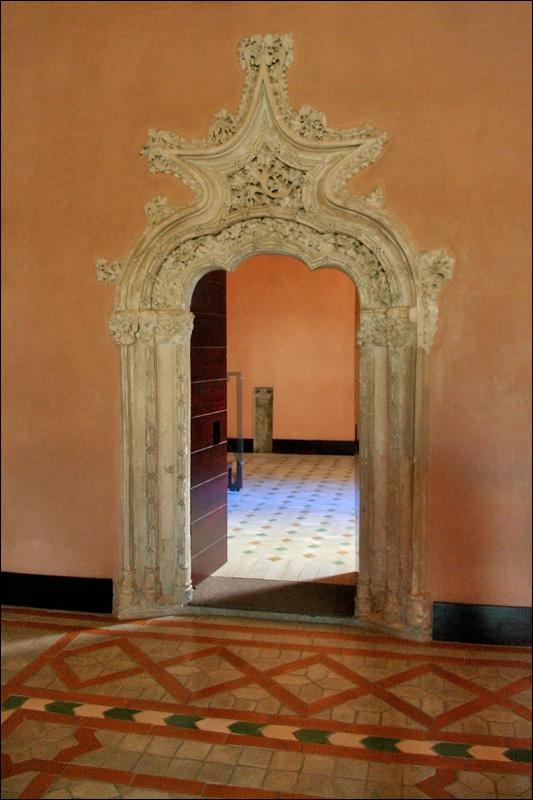 Дворец Альхаферия, покои Католических королей, дверной проем, Сарагоса