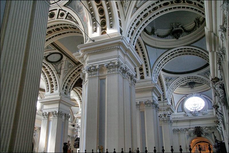 Внутреннее убранство Кафедрального собора Богоматери Пилар, Сарагоса