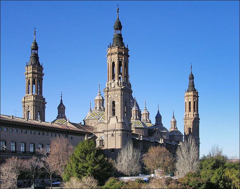 Базилика-де-Нуэстра-Сеньора-дель-Пилар в Сарагосе