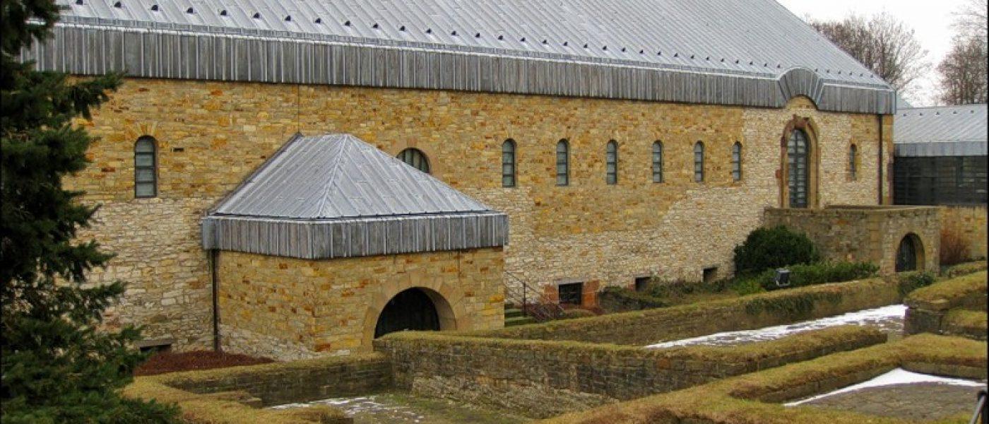 Дворец Карла Великого, капелла святого Варфоломея и другие достопримечательности Падерборна