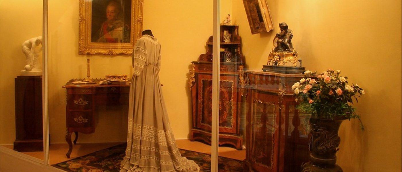 Выставка «Мир женщины и ее увлечений» в Павловске: Некоторые правила хорошего тона