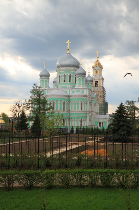 Свято-Троицкий Серафимо-Дивеевский монастырь, Троицкий собор и колокольня