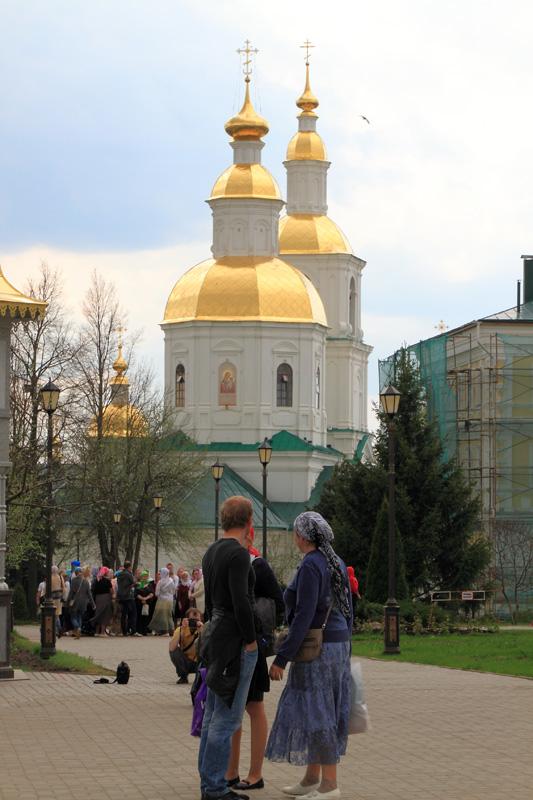 Свято-Троицкий Серафимо-Дивеевский монастырь, вид на Казанскую церковь