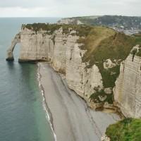 Этрета: белые скалы, праздник селедки и море