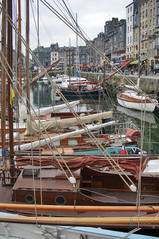 Онфлёр, Старый порт, яхты