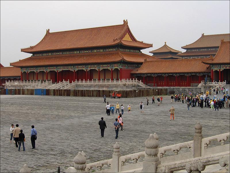 Ворота Тайхэмэнь (вид со стороны площади перед залом Тайхэдянь)