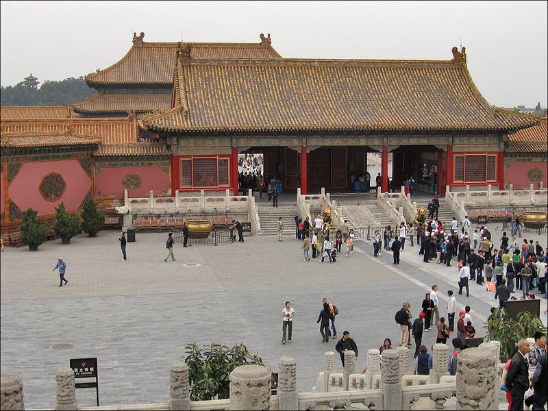 Ворота Цяньцинмэнь, Гугун