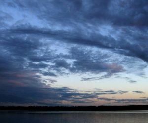 Иваньковское водохранилище, небо