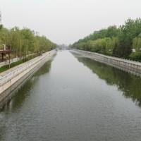 Дорога вдоль канала от парка Таожаньтин к парку Дагуаньюань