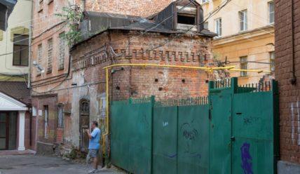 Непарадный Нижний Новгород: подворотни, развалины и граффити