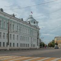 Советская площадь в Твери и памятник князю Михаилу Тверскому