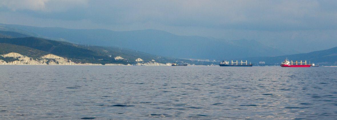Морская прогулка по Цемесской бухте: море, горы, корабли