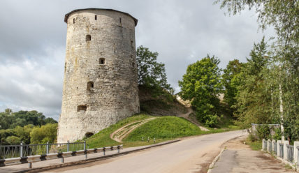 Гремячая башня, её легенды и тайны