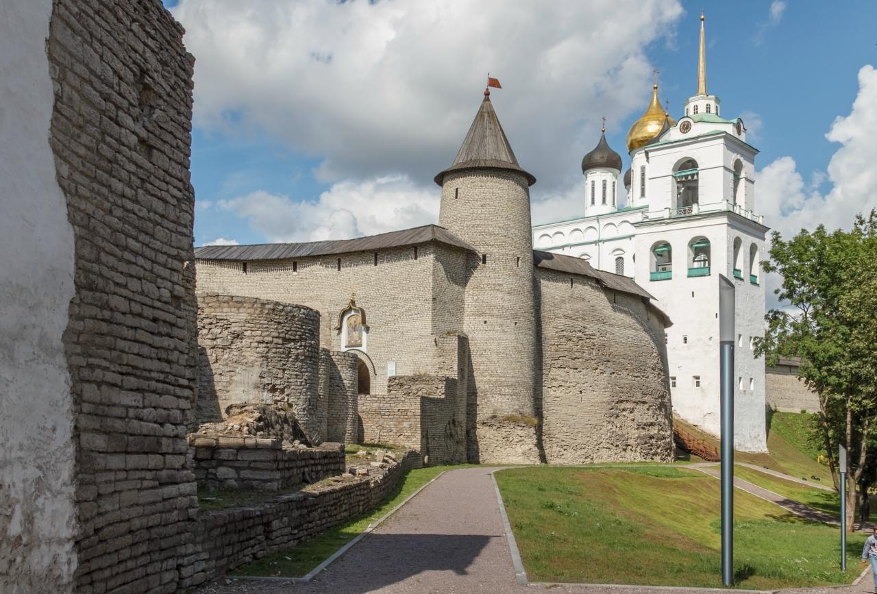 Кремль улица на карте в Пскове.