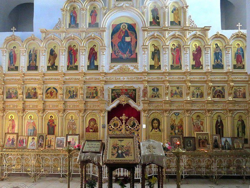Иконостас церкви Богоявления с Запсковья