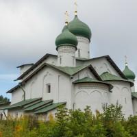 Церковь Богоявления с Запсковья и плотина на Пскове