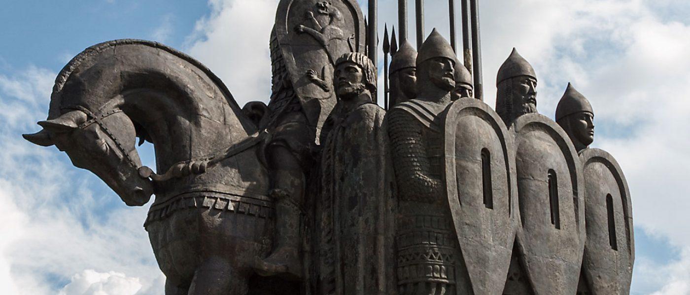 Монумент «Ледовое побоище» на горе Соколиха