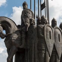 """Монумент """"Ледовое побоище"""""""