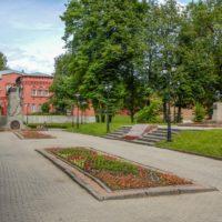 Сквер Памяти героев в Смоленске: две Отечественные войны России