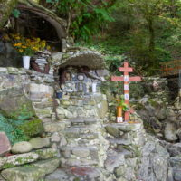Монастырь Свято-Крестовая пустынь и Святой источник в Солохауле