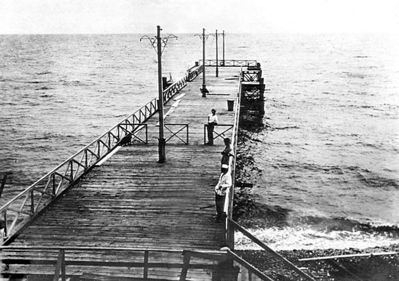 Морской порт Сочи, старая фотография