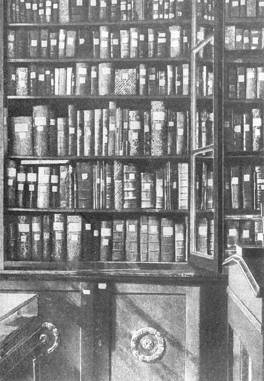 Шкафы в хранилище с рукописными книгами из собрания Н.П.Румянцева
