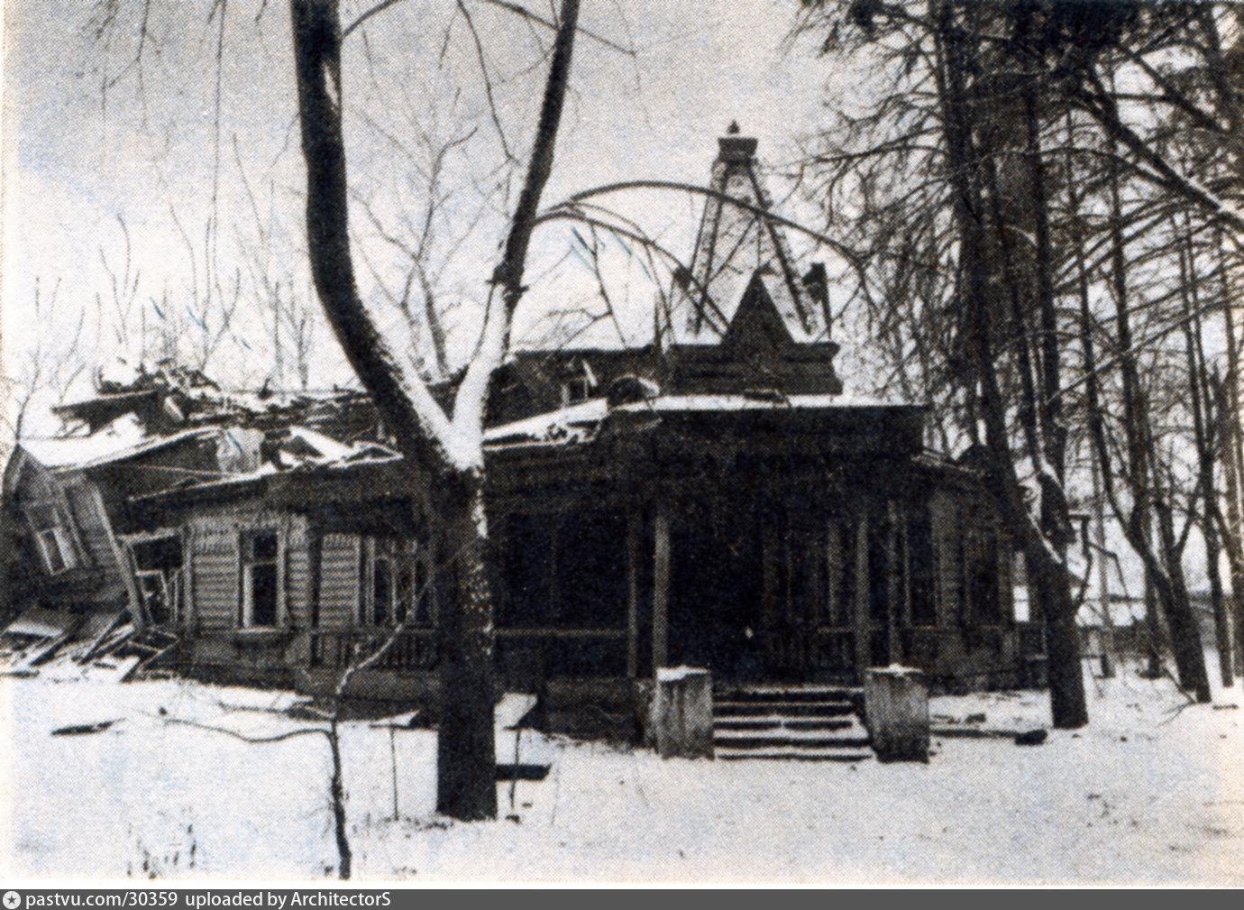 Руины домика Ропета, Троице-Лыково