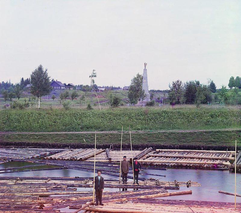 Канал «Вытегра-Ковжа» и памятный знак Императору Александру Второму в память окончания Мариинской системы, старое фото, Вытегра