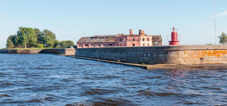 Форты Кронштадта: история строительства и водная экскурсия