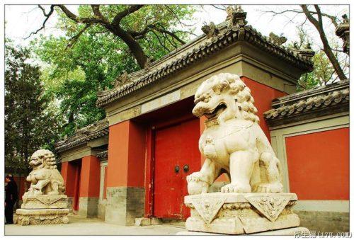 Монастырь Фаюань в Пекине