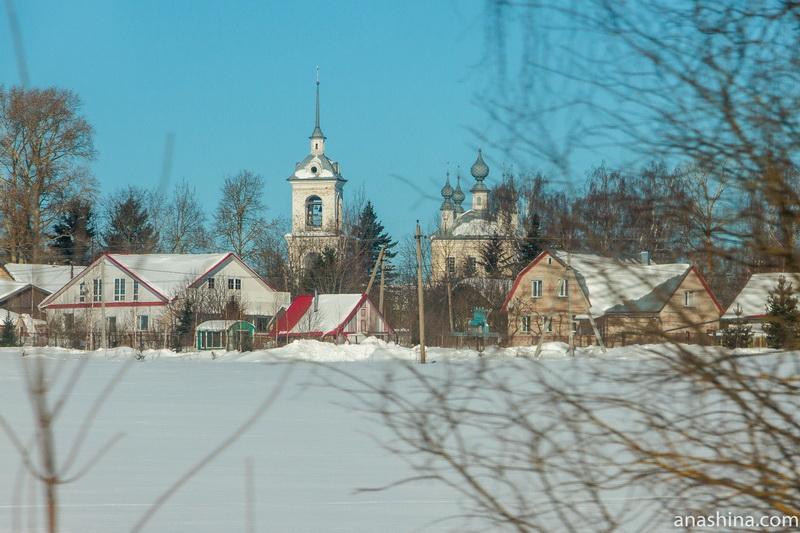 Свято-Троицкий храм в селе Костенево близ Костромы