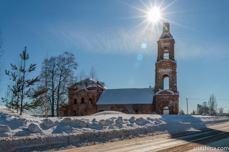 Церковь Успения Пресвятой Богородицы в селе Воронье, Костромская область