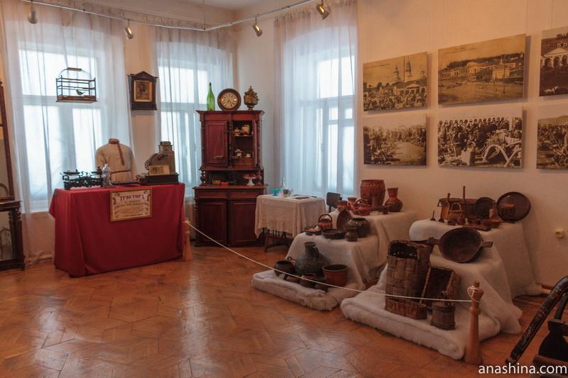 Один из залов Галичского краеведческого музея, Галич