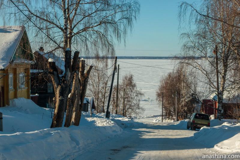 Улица, ведущая к Чухломскому озеру