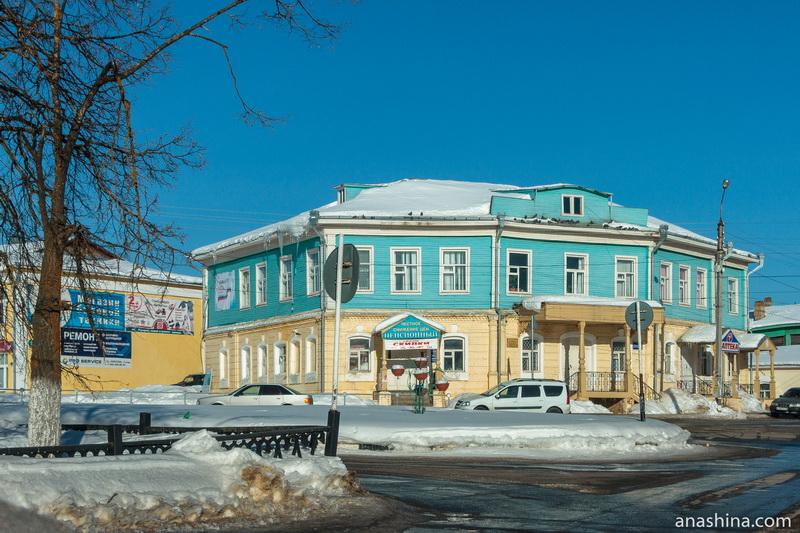 Бывшая гостиница купца Киренкова, Тотьма