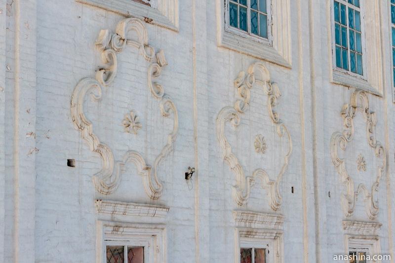 Картуши на церкви Входа Господня в Иерусалим, Тотьма