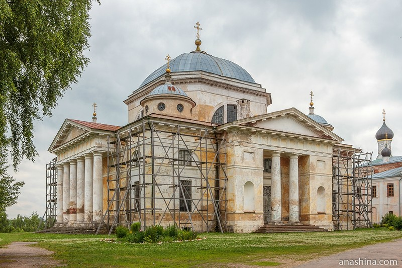 Собор Бориса и Глеба в Борисоглебском монастыре в Торжке