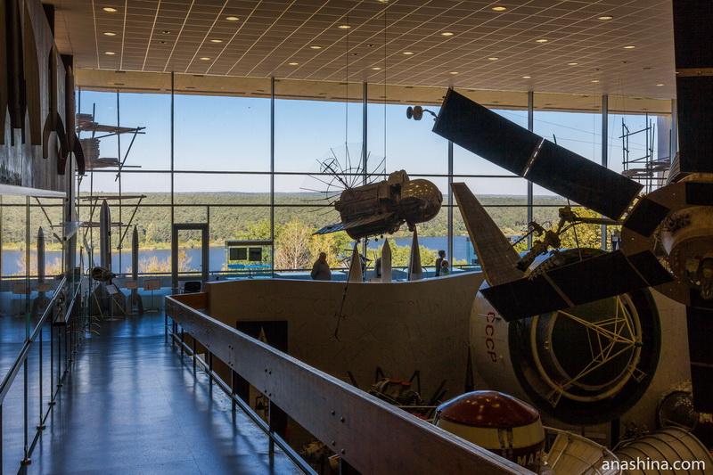 Вид из Музея космонавтики на Яченское водохранилище