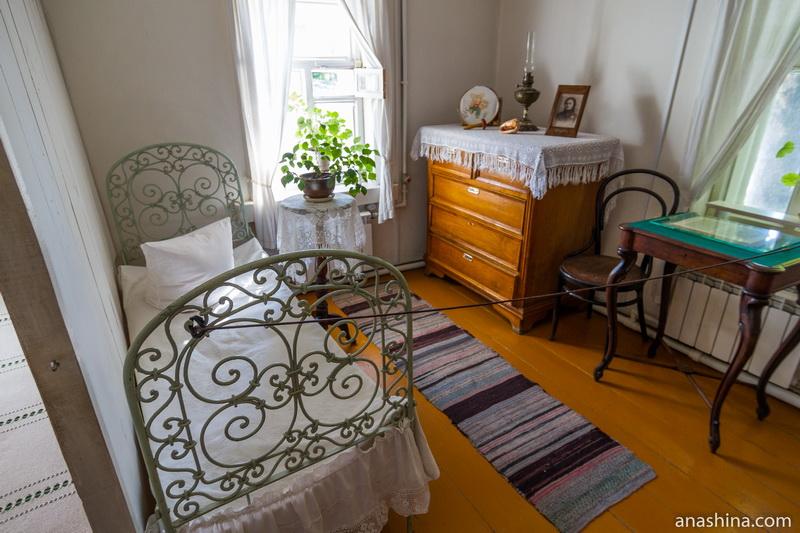 Жилая комната, дом Циолковского